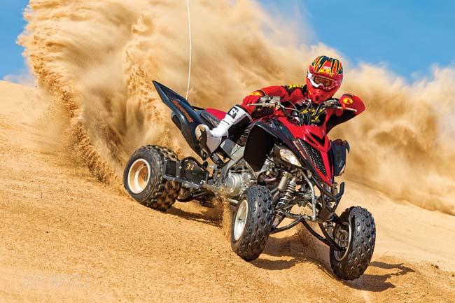 YAMAHA YFZ450R SE VS  RAPTOR 700R SE | Dirt Wheels Magazine