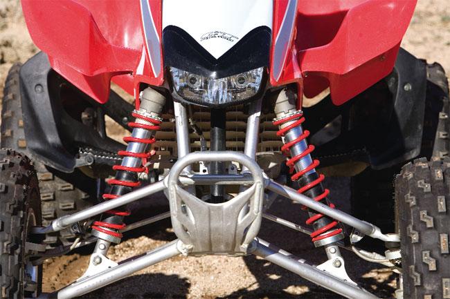 Shootout: 1989 TRX250R vs  2009 TRX450R | Dirt Wheels Magazine