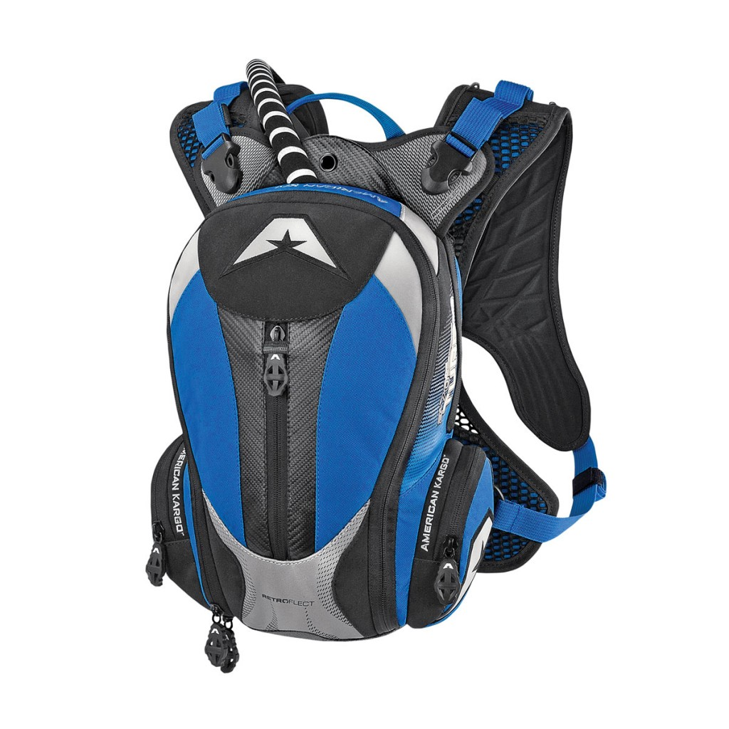 The American Kargo Turbo 2.0L can hold a 2-liter or 1.5-liter water bladder like the RR can, but it has a lot more storage available to use.