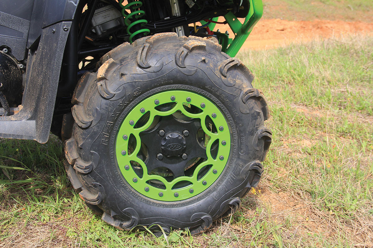 The 700 and 1000 come with color-matched beadlock rims stock with Maxxis Zilla tires.