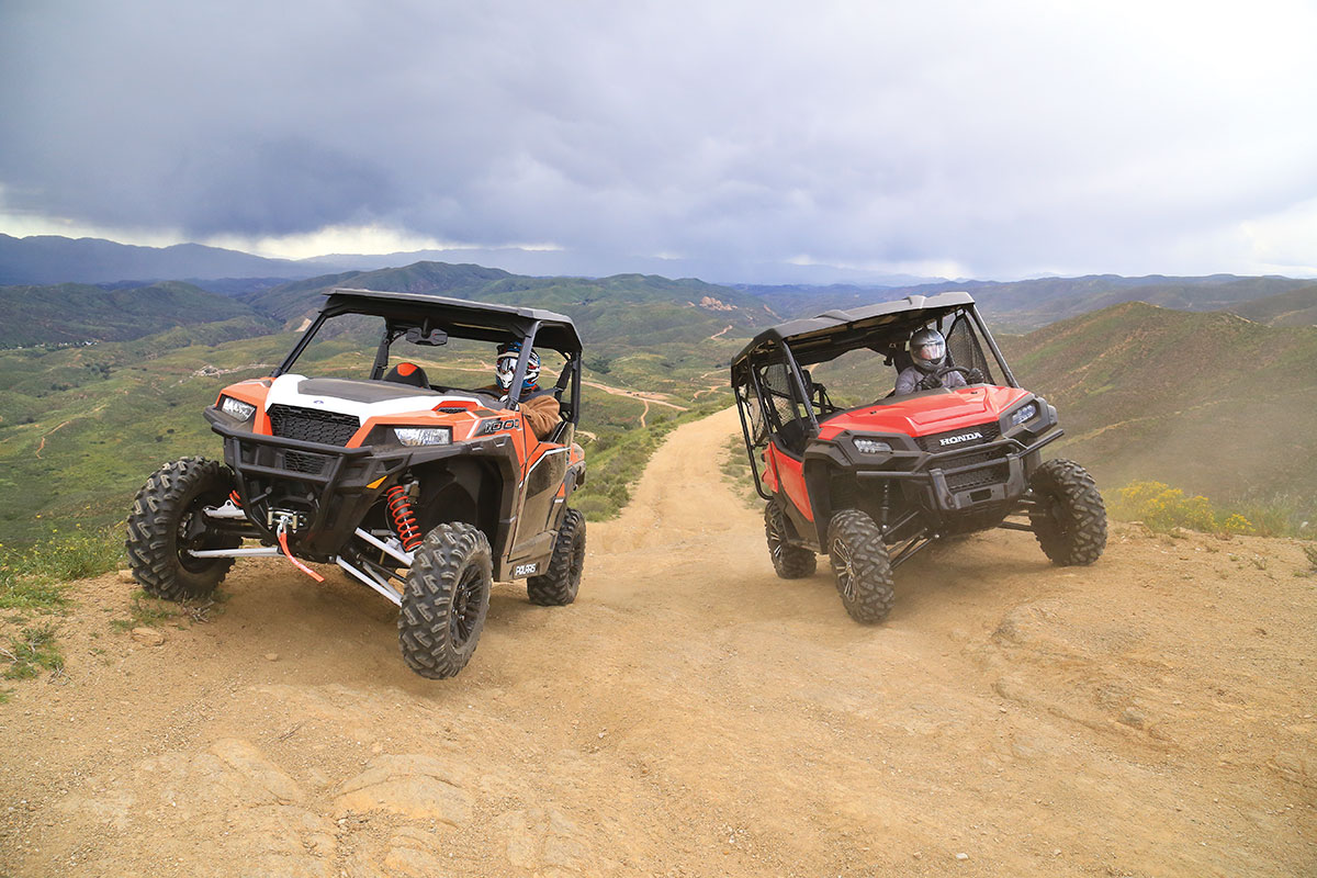 SHOOTOUT: HONDA PIONEER 1000-5 DELUXE VS  POLARIS GENERAL