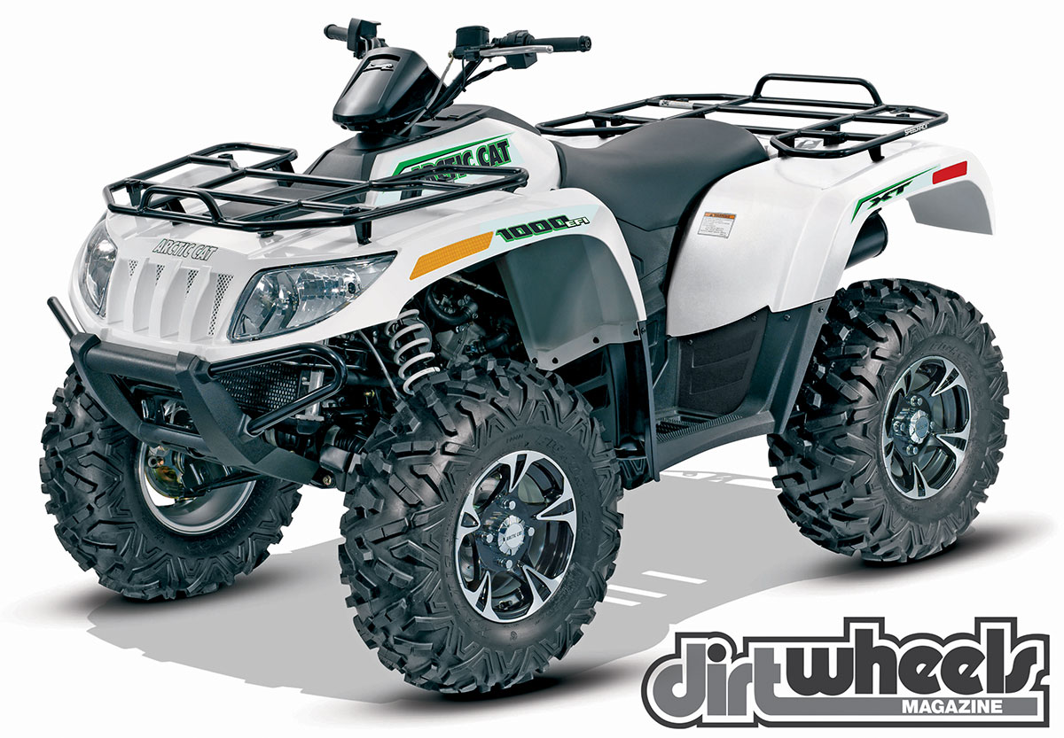 While the bodywork hasn't updated to the newer Xterra style, the Arctic Cat 1000 XT is a fully loaded machine with 10 inches of travel. It has tons of power.