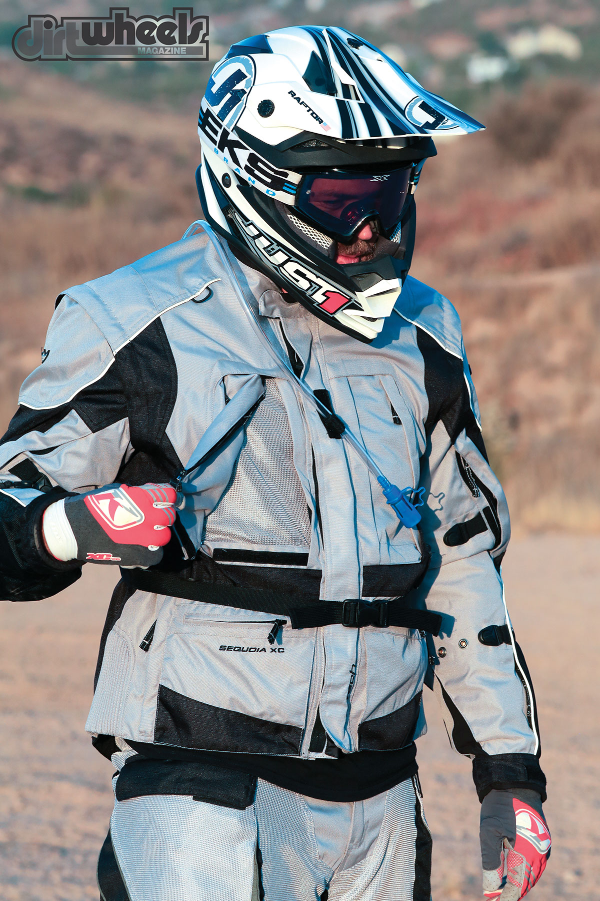 One of the venting features is removable, zip-off pockets that reveal venting material that flows into the entire jacket to keep you cool during your ride. There is also a large venting exhaust area on the back of the jacket for added airflow.