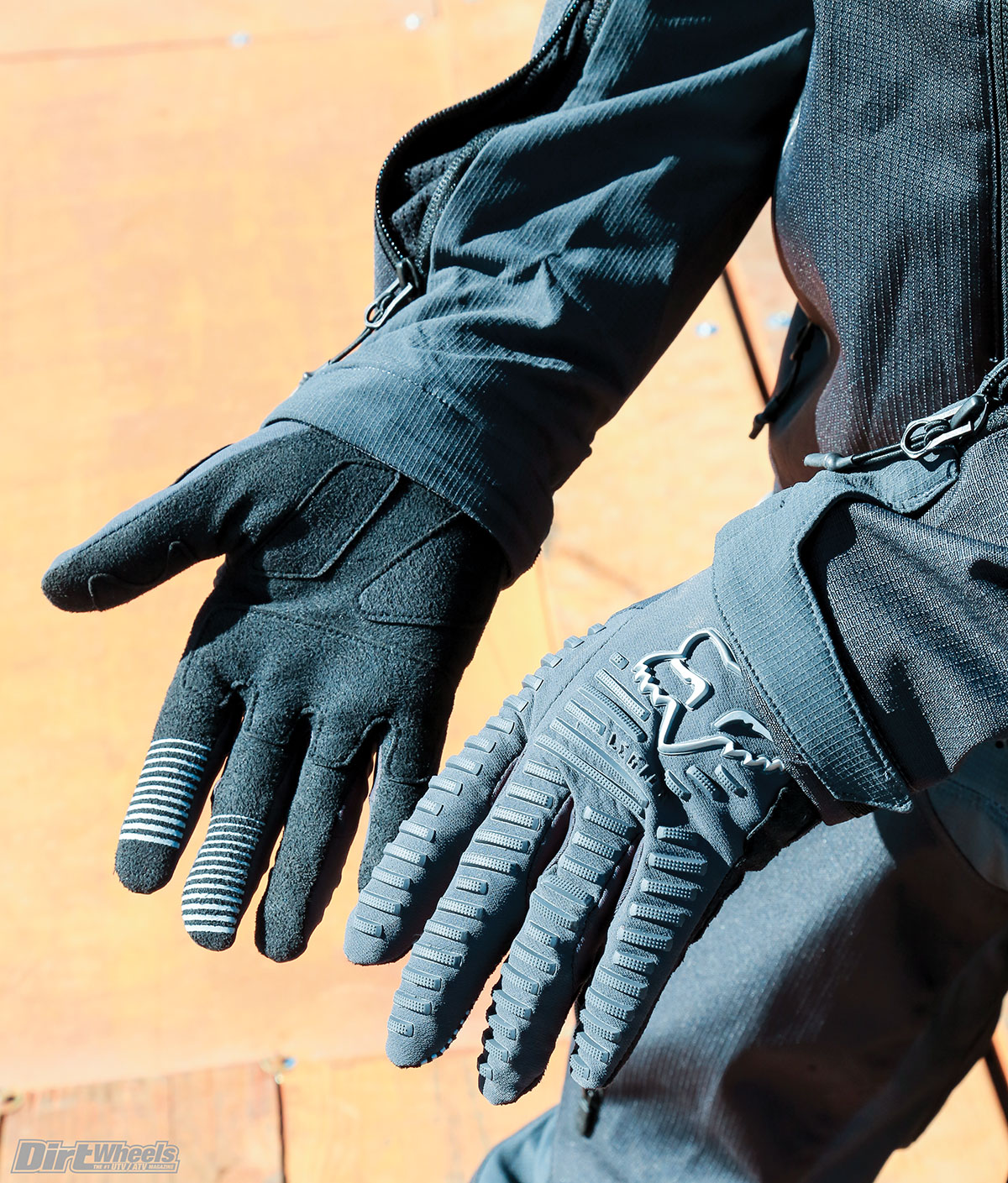 The fingertips of the Legion gloves are touchscreen-friendly, so you can answer calls or text without removing them.