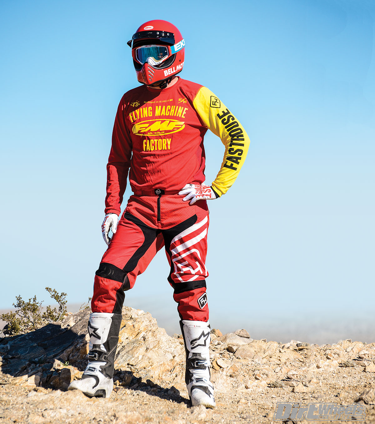 This gear set is lightweight, very comfortable and breathes well in all types of weather, but we suggest using it for the warmer months of the year or layer up in the winter.