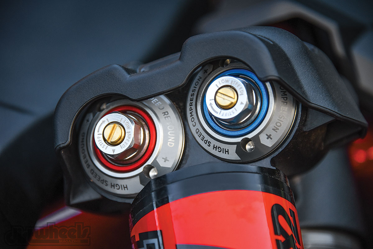 Two adjustment knobs allow you to adjust the high-/low-speed compression and high-/low-speed rebound. A half turn goes a long way with these shocks.