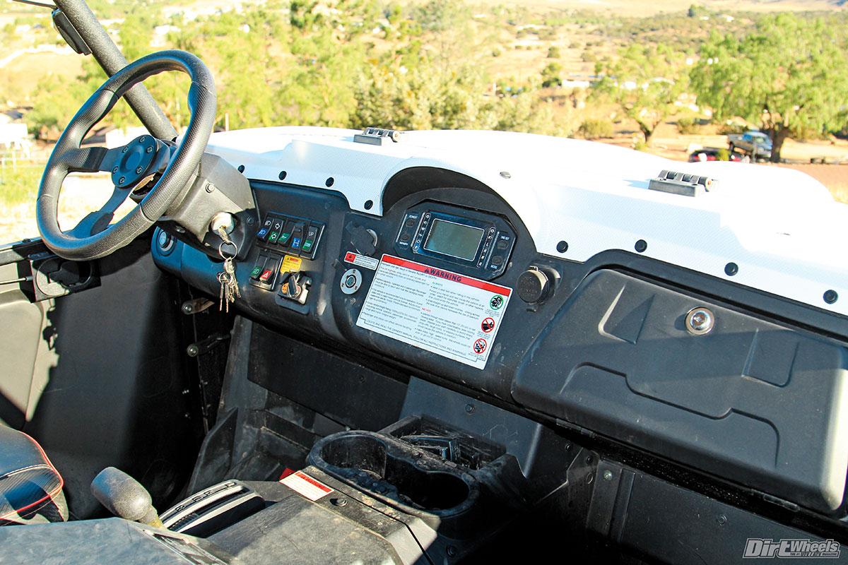 The dash is fully equipped as well. The controls include a diff-lock and even turn signals! The EPS provides steering efforts that are very light.