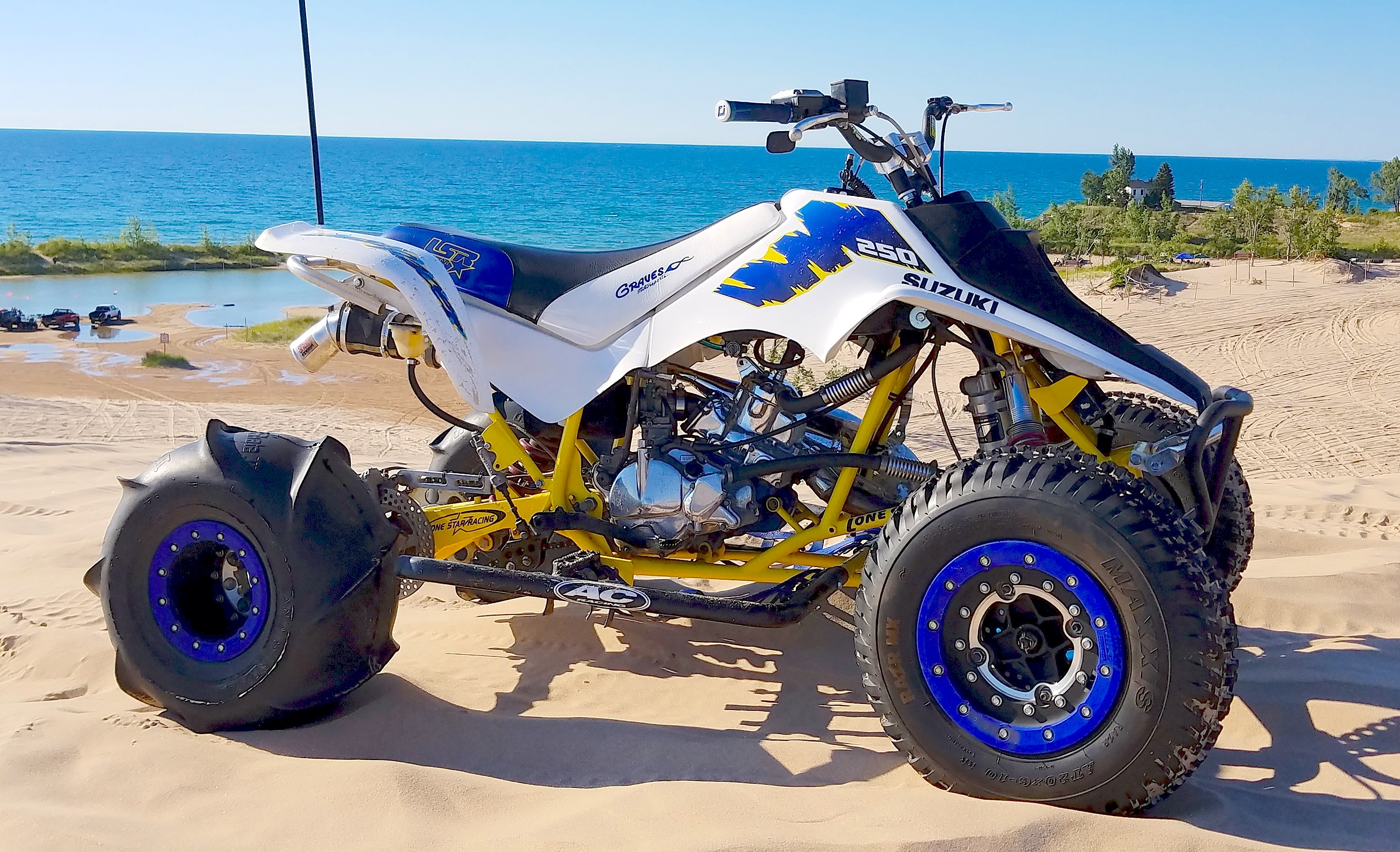 dirt wheels magazine it s a wild quadracer world