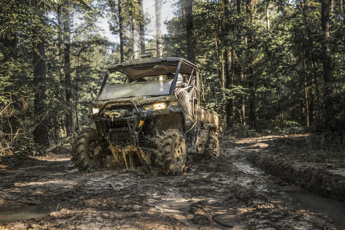 Can Am Xmr >> All New Can-Am DEFENDER Models! | Dirt Wheels Magazine