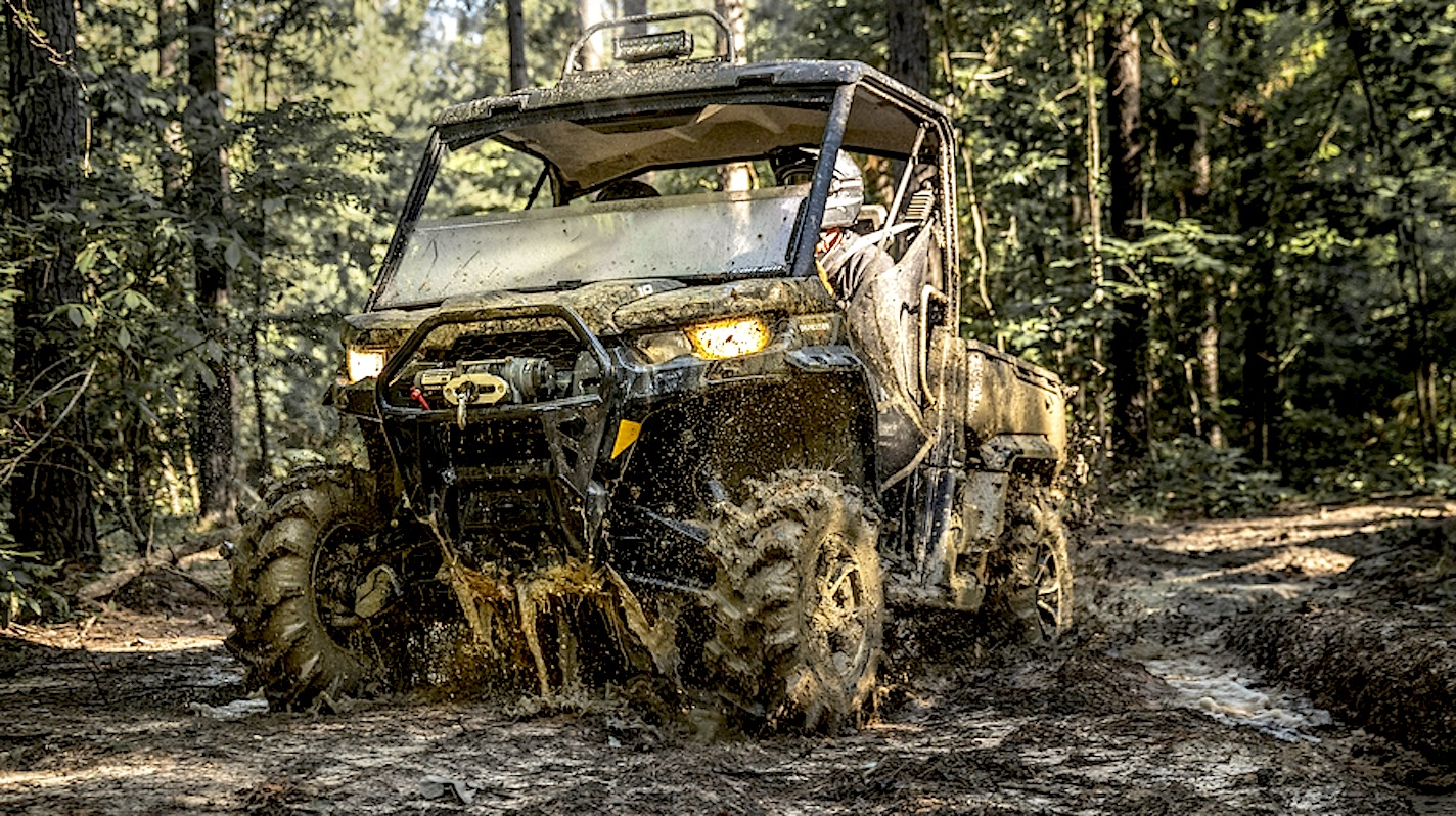 CAN-AM DEFENDER GETS MORE AGGRESSIVE | Dirt Wheels Magazine