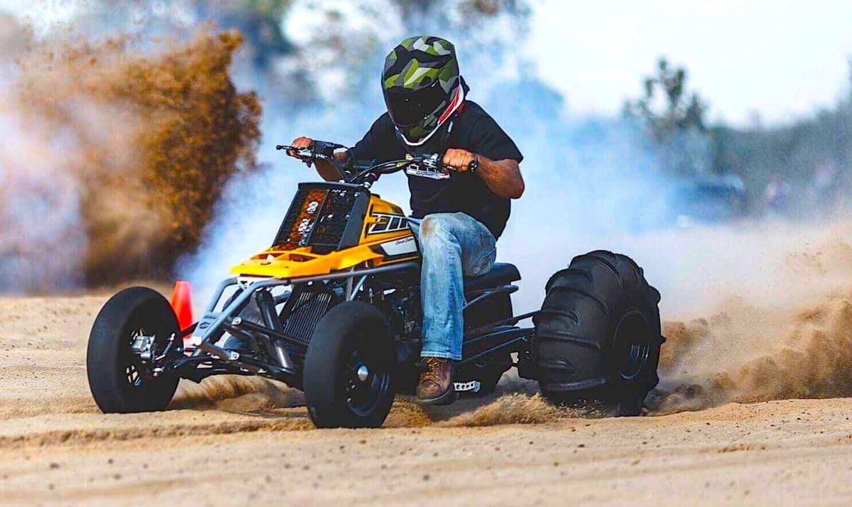 2-STROKE TUESDAY SUPER BANSHEE | Dirt Wheels Magazine